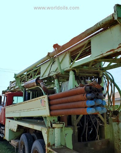 Chicago Pneumatic 600 Drilling  Rig - For Sale