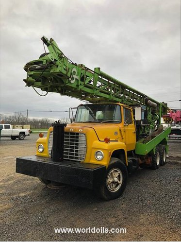 Chicago Pneumatic 650 Drilling Rig - For Sale