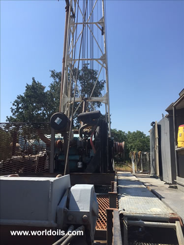 Gardner Denver 2000 Trailer Mounted Drilling Rig
